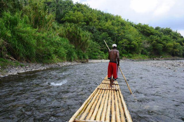 Met een bamboe vlot op de Rio Grande