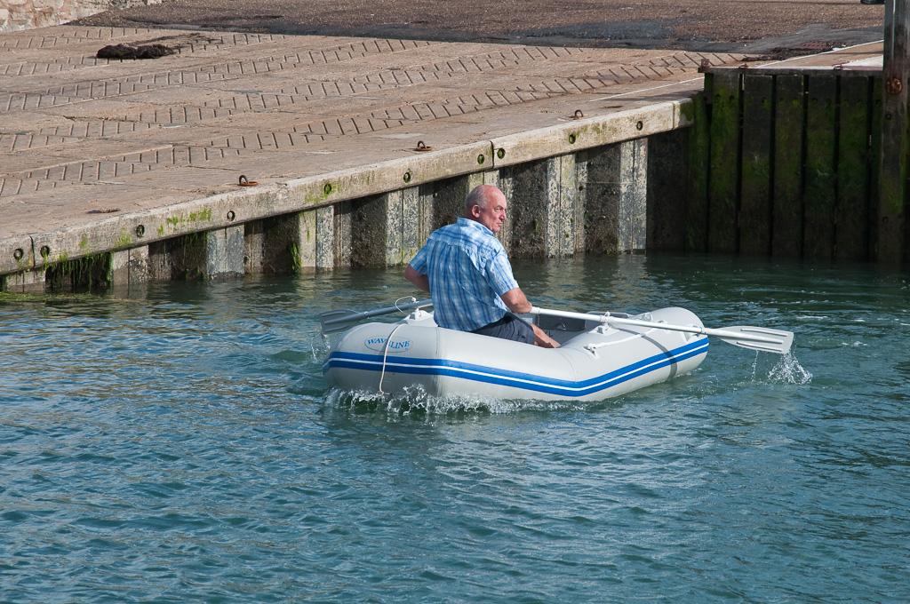 Terugroeiend naar de boot