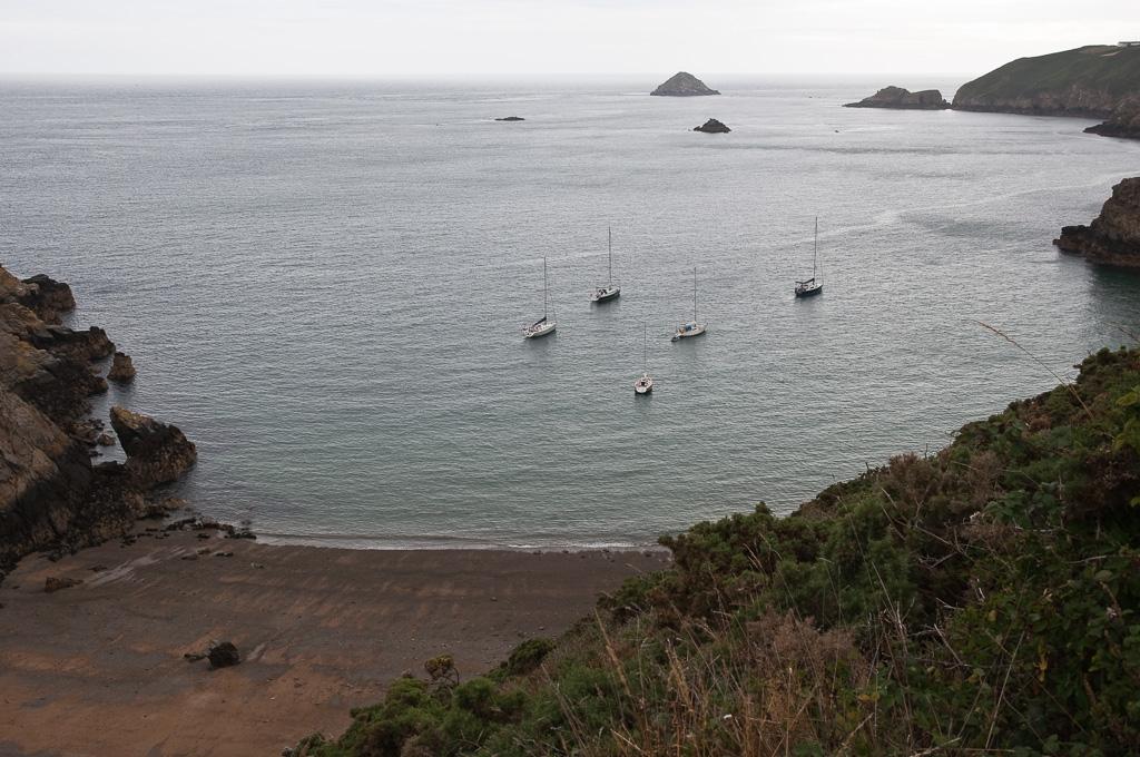 Ankeren in de Dixcart Bay bij Sark