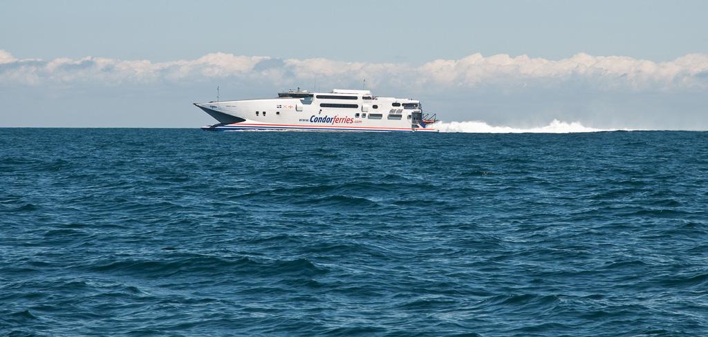 Snelle cat van Jersey naar Guernsey